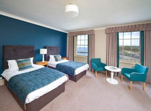 Bay Royal Whitby Hotel
