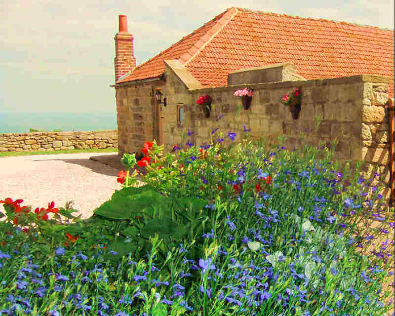 Copper Cottage in Sandsend is a perfect romantic self catering holiday cottage in Whitby