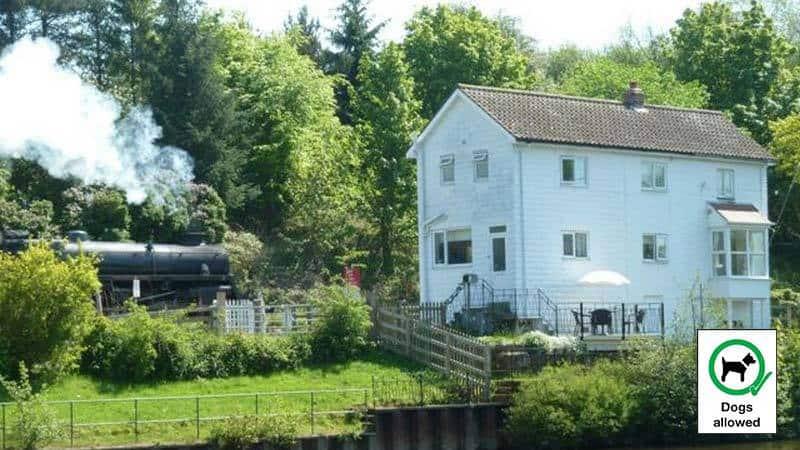 Chain Bridge Cottage