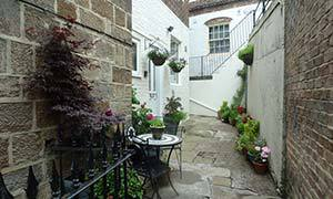 Periwinkle Dog Friendly Holiday Cottage in Whitby