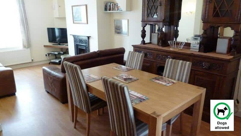 Quayside Dog Friendly Whitby Cottage