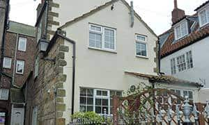 Seashell Dog Friendly Cottage in Whitby