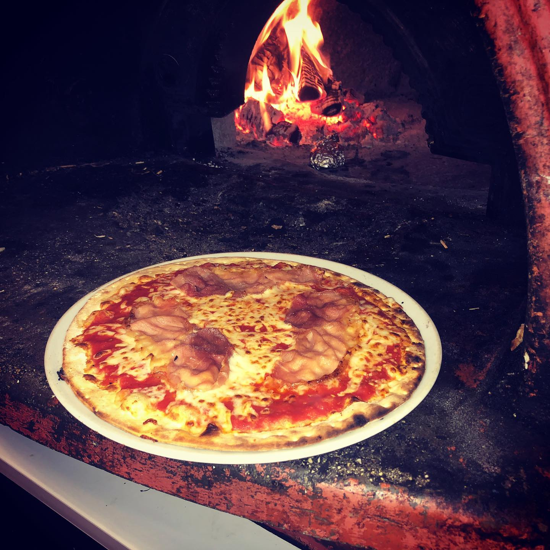 Moutreys Pizza