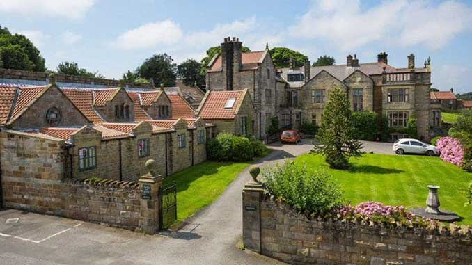 Dunsley Hall Wedding Venue in Whitby