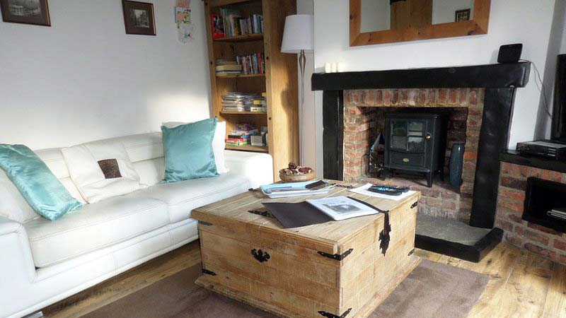 Paddock Dog Friendly Cottage in Whitby