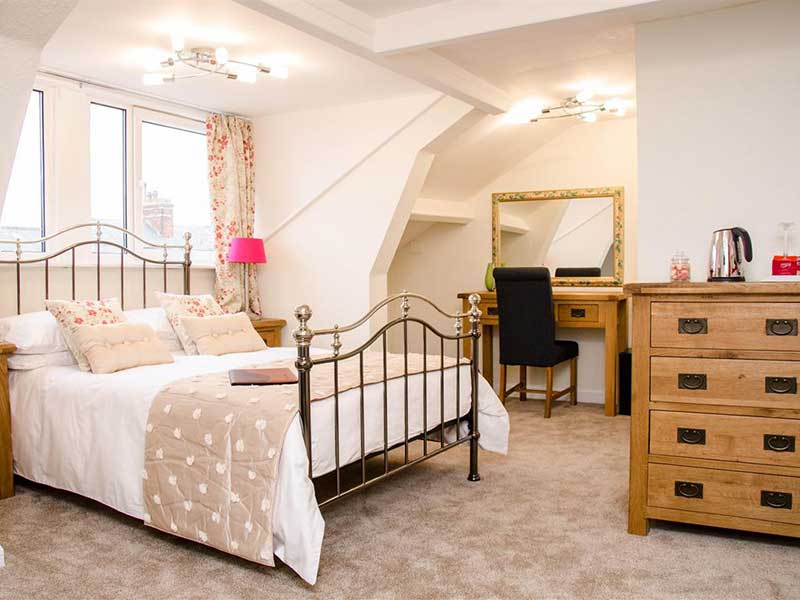 Rosslyn House 4 Star B&B Whitby
