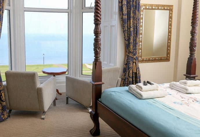 Whitby B&B Sea View; Riviera Guest House
