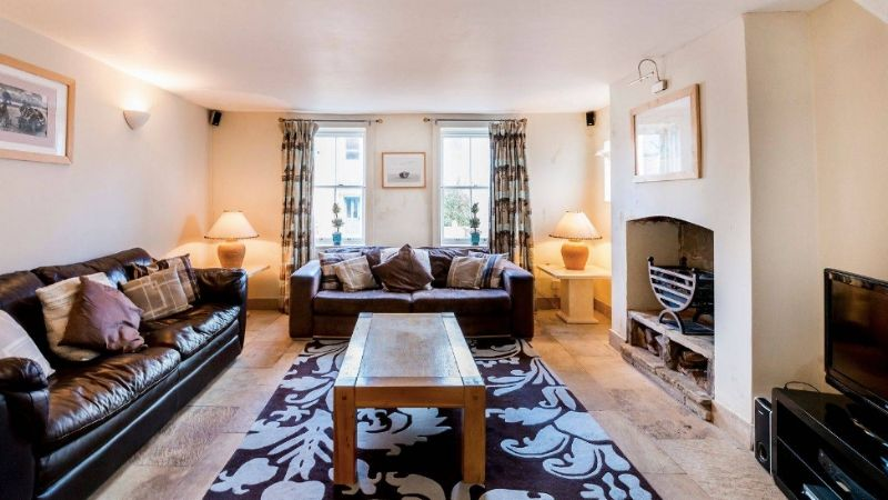 Pet friendly Griffin Cottage in Whitby