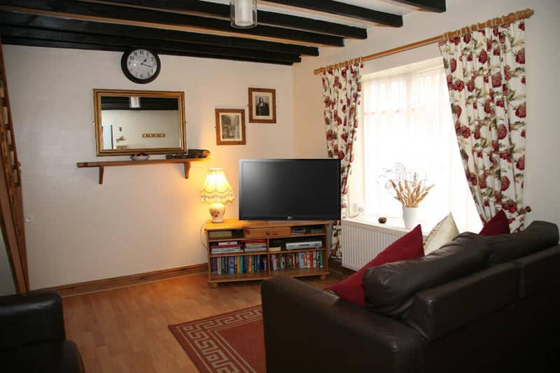 awd tuts cottage whitby