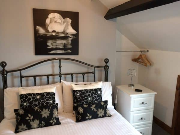 ellies guest house whitby room 8