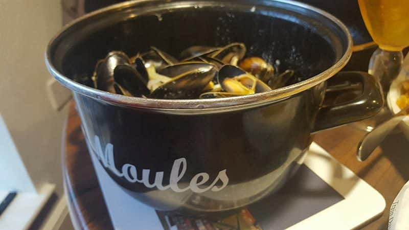 Magpie Cafe Mussels & Chips