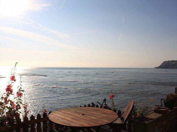 Eve Cottage in Robin Hoods Bay with parking