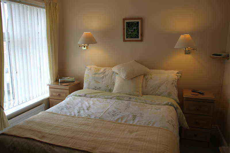 haven crest double room in white
