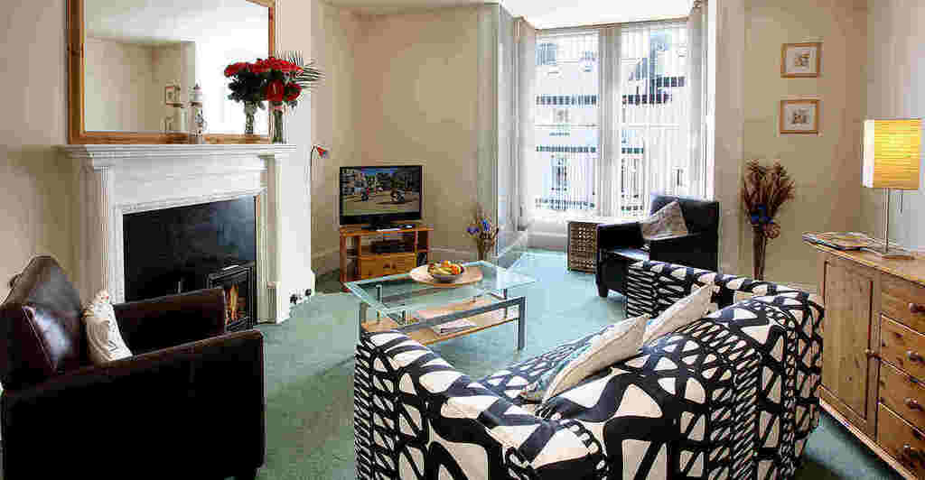 Lobster Apartment, Discovery Accommodation, Whitby holiday cottages with swimming pool