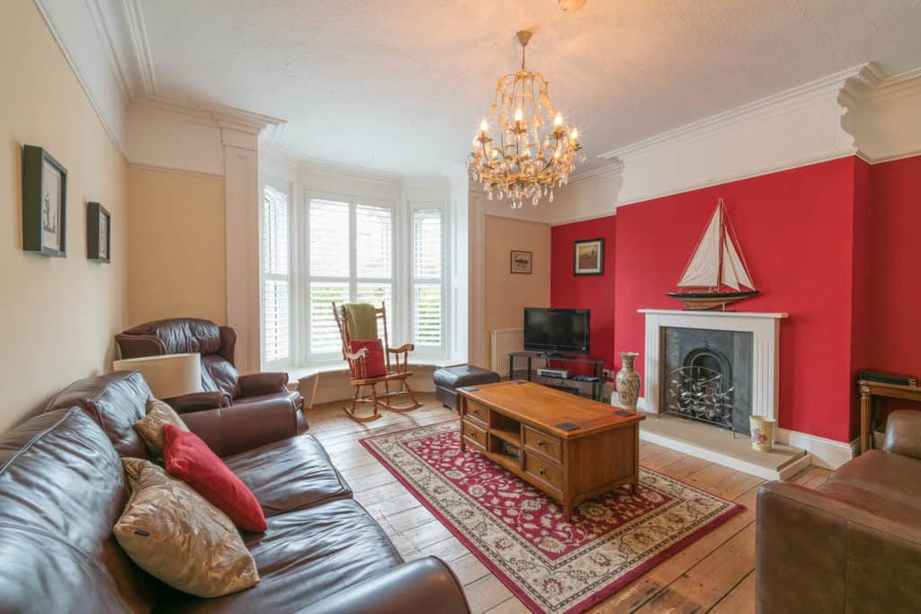 Adventure House; Self Catering With Parking In Whitby