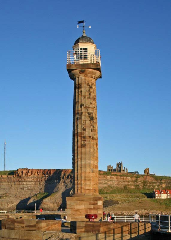 Whitby West Lighthouse