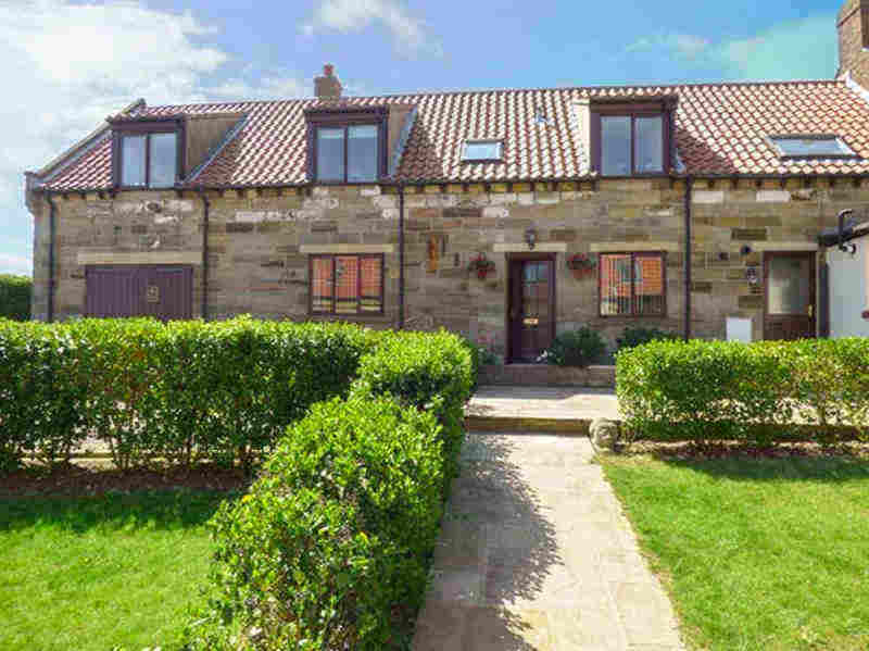 Airy Hill Farm Cottage; Perfect For School Holidays In Whitby
