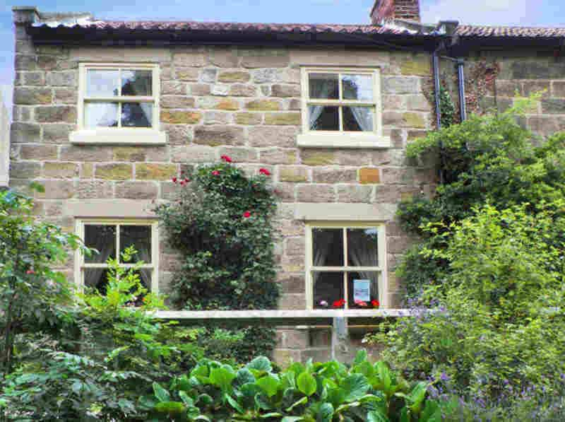 River Cottage; A great Whitby Cottage for School Holiday