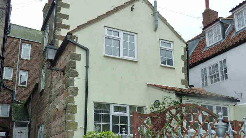 Seashell Cottage; school holiday cottages in Whitby