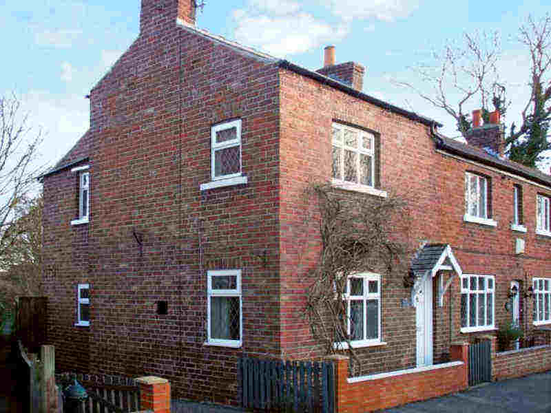 Sunnyside Cottage; School holiday cottages in Whitby