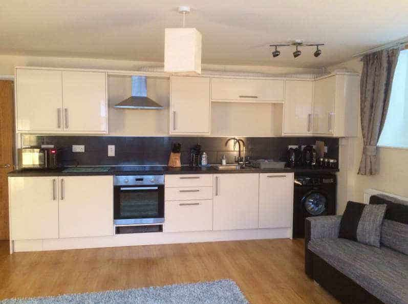 Calico Apartment; Self Catering With Parking In Whitby