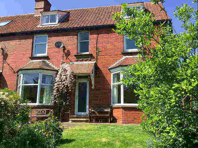 Lisnacrieve; Self Catering With Parking In Robin Hoods Bay, Whitby