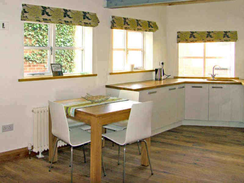 Old Blacksmiths Workshop; Whitby Self Catering WIth Parking