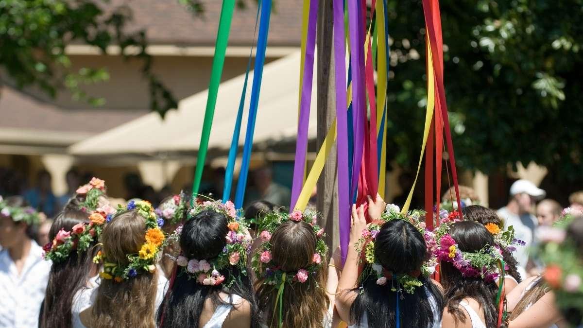 Whitby Folk Week Maypole Dance