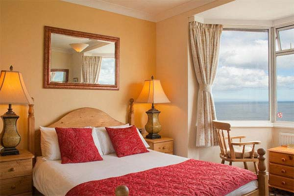 The Seacliffe Hotel in Whitby offers dog friendly rooms