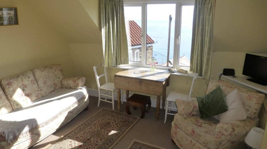 Beach House Top Flat; 10 Beautiful Runswick Bay Holiday Cottages