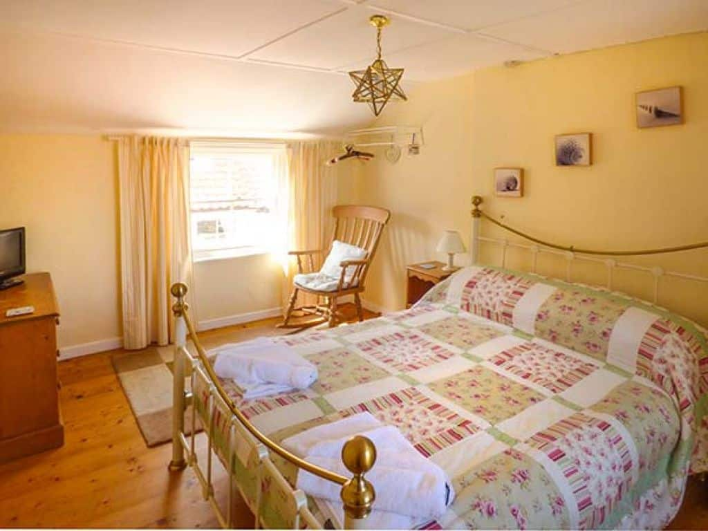 Broomhill View;18 Amazing Staithes Cottages