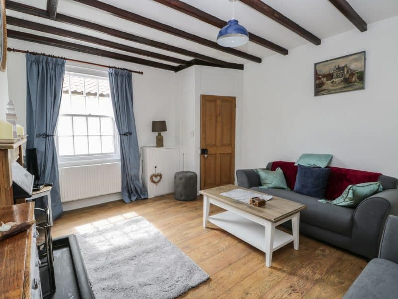 Pebble Holiday Cottage in Robin Hoods Bay