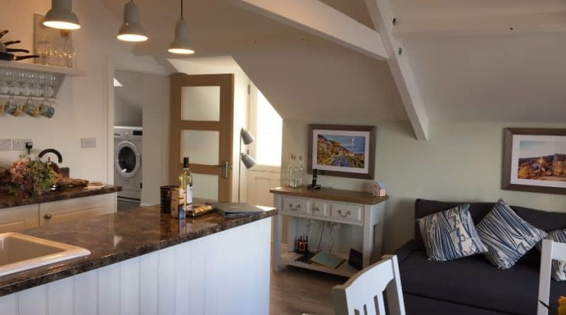 Royal Flat; 10 Beautiful Runswick Bay Holiday Cottages
