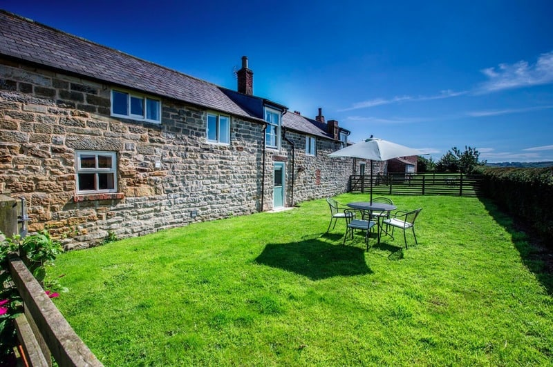 Old Stable; a luxury pet friendly family cottage near to Whitby