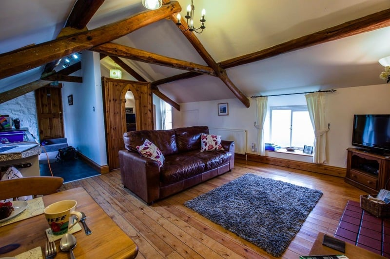 Coachmans Rest; a luxury pet friendly romantic cottage perfect for couples