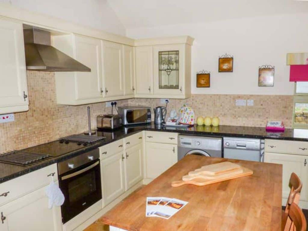Valley View;18 Amazing Staithes Cottages