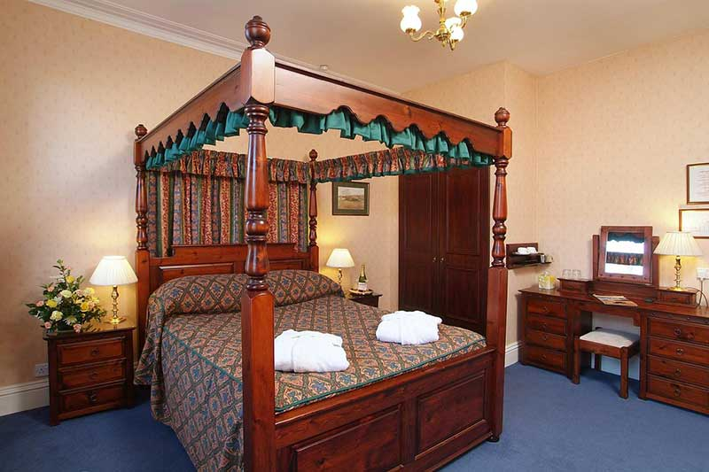 Saxonville Boutique Hotel with family rooms in Whitby.