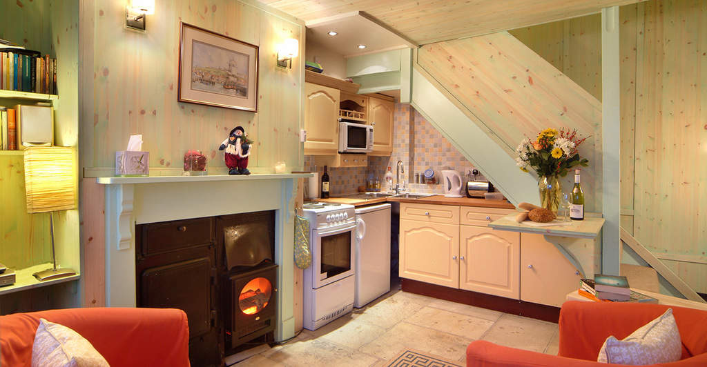 Discovery Cottage; 3 Pet Friendly Cottages With Pool and Sauna in Whitby