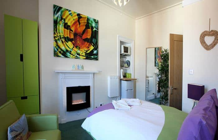 Royal 8; 15 Self Catering Mini Suites With Sauna in Whitby