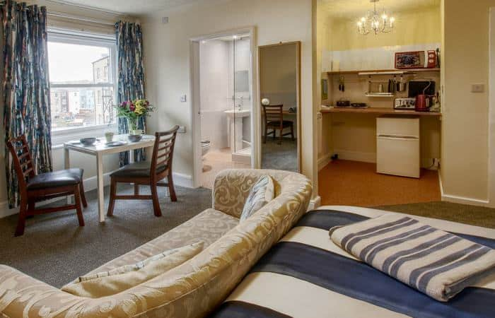 Sea Breeze 4; 15 Self Catering Mini Suites With Sauna in Whitby