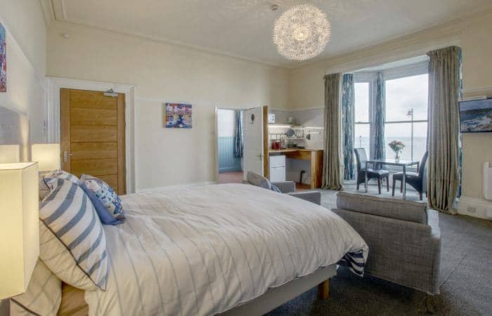 Sea Breeze 9; 15 Self Catering Mini Suites With Sauna in Whitby