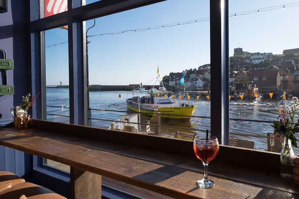 The Moon & Sixpence; 7 Delicious Restaurants with Harbour Views For Your Dining Pleasure