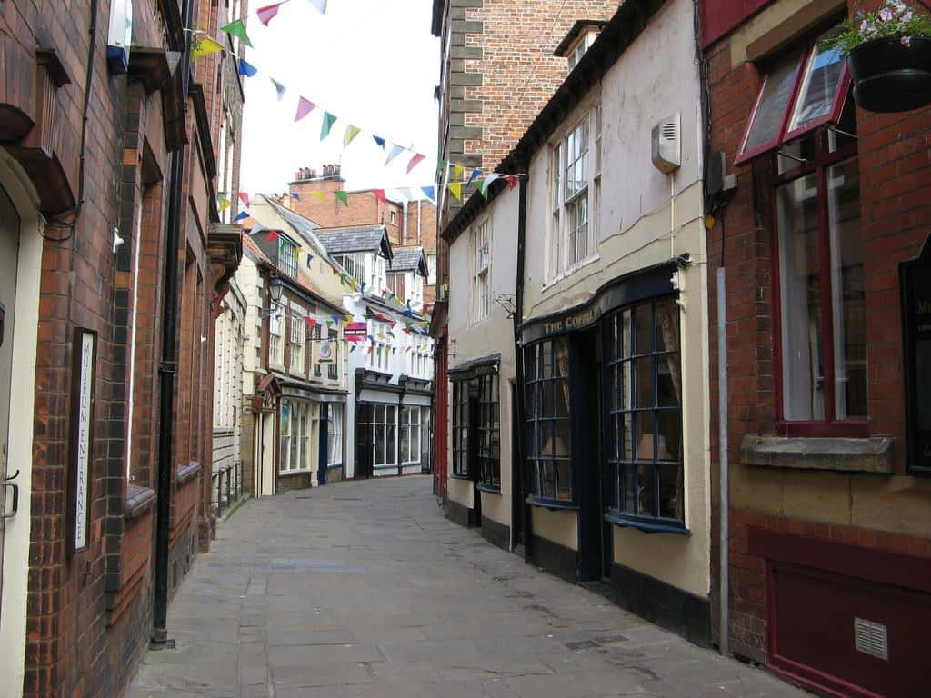 Sandgate; 7 Iconic Whitby Streets from the Past
