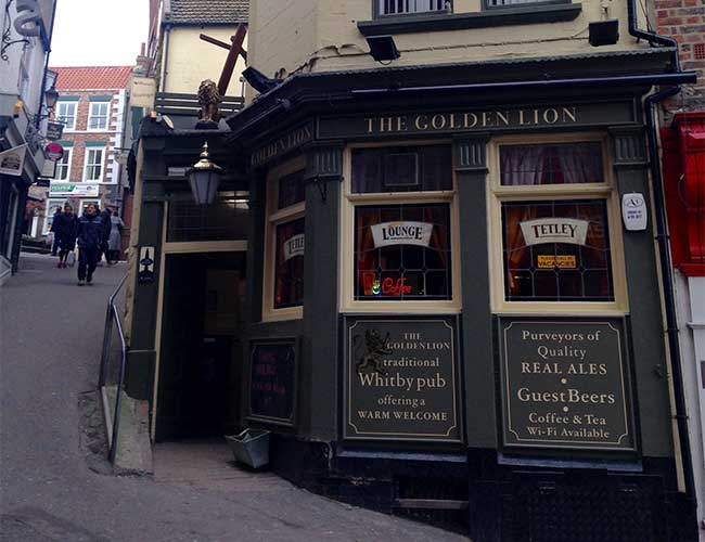 The Golden Lion Pub in Whitby