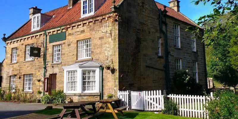 Horseshoe Hotel with family rooms in Whitby.