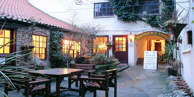 Sanders Yard offer dog friendly hotel rooms in Whitby