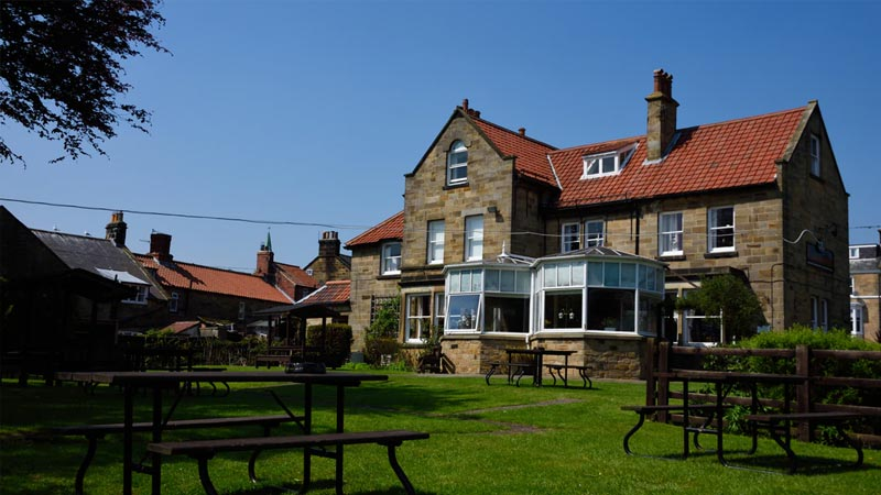 Robin hoods bay restaurants