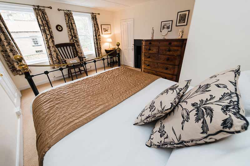 Hensingham sea view holiday cottage in Robin Hood's Bay