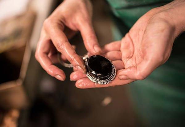W Hamond Jewellers